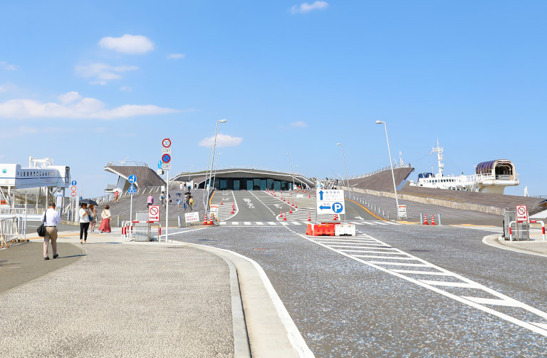 大さん橋国際客船ターミナル入り口